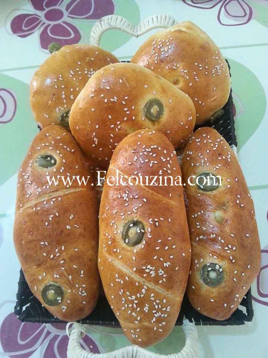 pains-maison-aux-olives-farci-fromage-pate-magique (1)